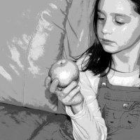 Ji turi obuolį